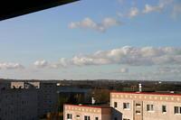Ausblick vom Balkon. Bei großer Darstellung ist ein Kran der Neptunwert am linken Bildrand zu erkennen. Bilder mit der